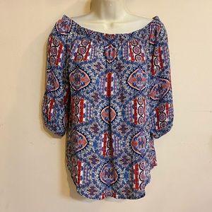 Buttons off the shoulder floral patterned blouse